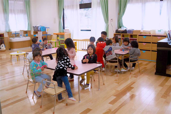 子育て支援の拠点完成、4月から認定こども園に〜上中島こども園開所、すくすく親子教室 児童館一体整備